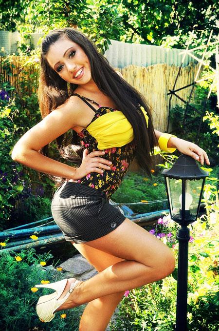 Young beautiful - Nikolaev-tour.com